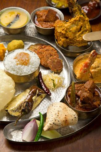 545430-poila-baishak-lunch-at-jhaal-farezi